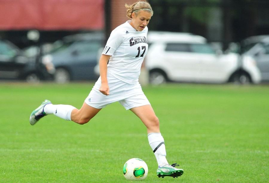 Fourth-year forward Natalia Jovanovic plays in a home game against St. Thomas on September 15, 2013.