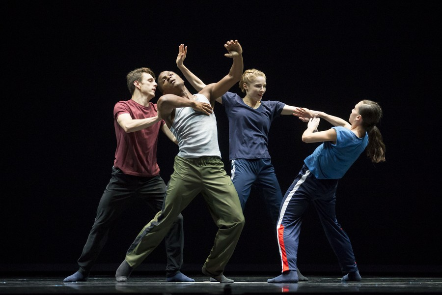 Hubbard Street dancers perform in the American premiere of Forsythe's N.N.N.N.