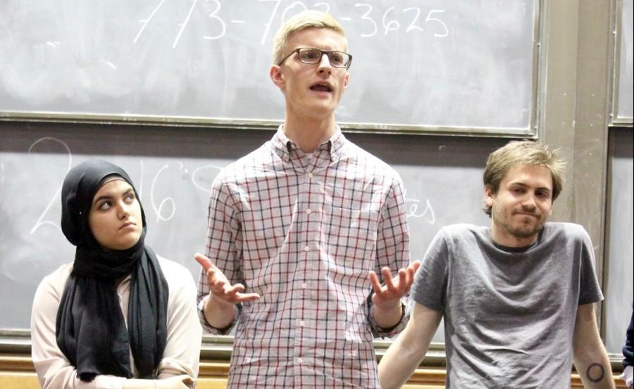 SG President EricHolmbergspeaksattheStudentGovernmentelectiondebateonApril26.
