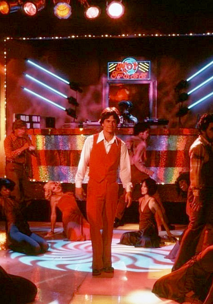 Dirk Diggler (Mark Wahlberg) shakes his groove thang in 'Boogie Nights.'