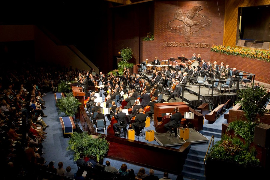 The CSO performed its annual free concert to an enthusiastically vocal crowd.