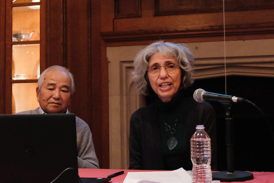 Hiroshima bomb survivor Takashi Teramoto (left), shares his experiences at the University of Chicago Center for East Asian Studies on October 26.