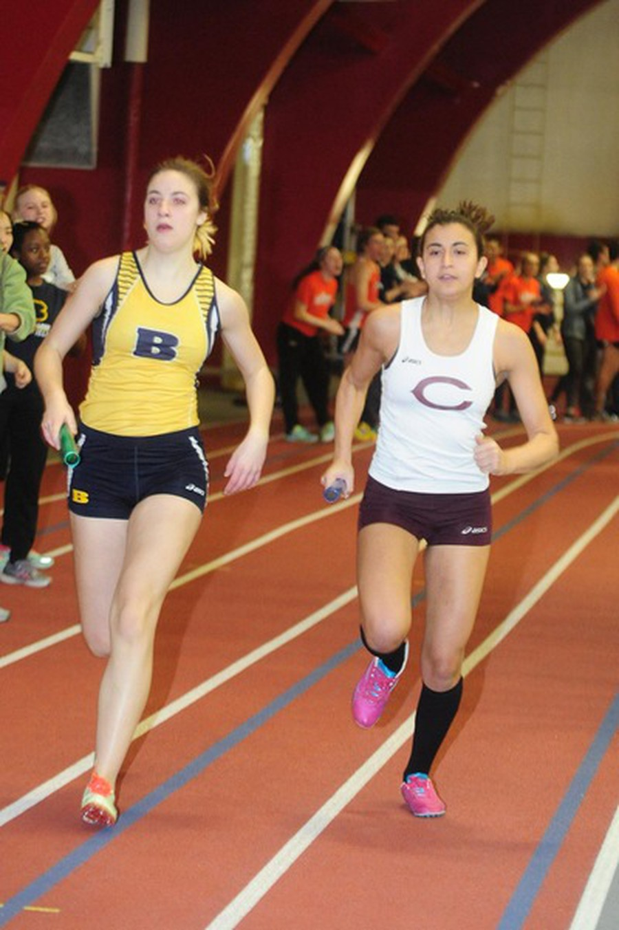 Second-year Nadeen Issa races past her opponent.