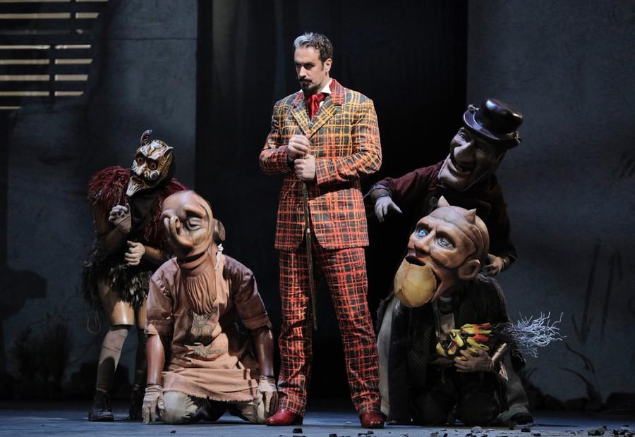 Christian Van Horn as Méphistophélès at the Lyric Opera.
