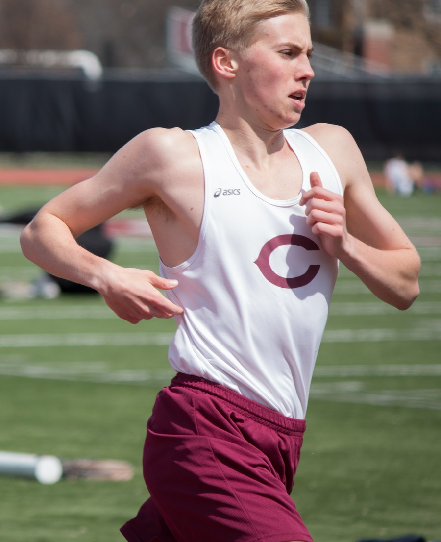 Second-year Andrew Kates powers through his long-distance race.