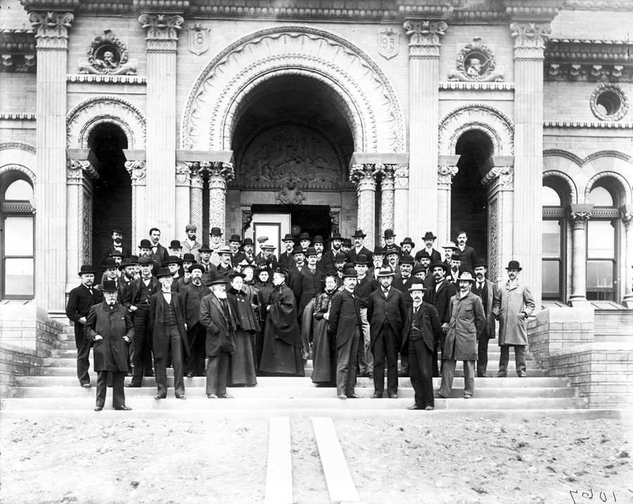Attendees at the dedication ceremony for Yerkes Observatory, including George Ellery Hale and Edwin Frost, pose for a photograph.