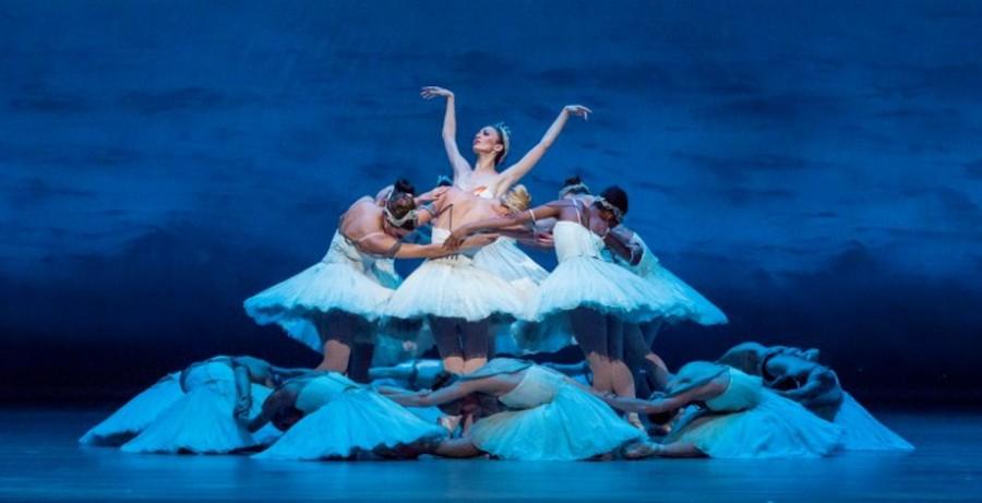 """""""Swan Lake"""" at the Joffrey Ballet"""