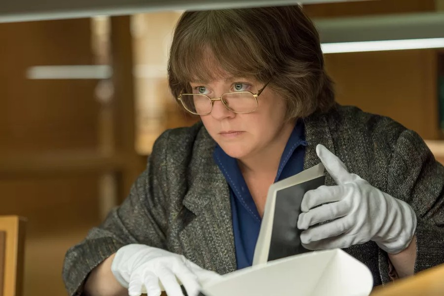 "Melissa McCarthy plays a lovable schemer in ""Can You Ever Forgive Me?"""