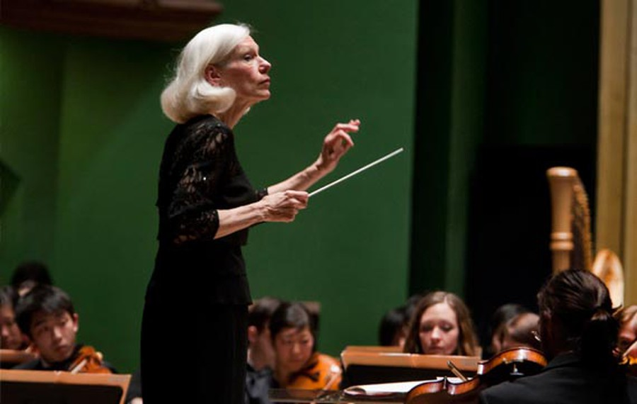 Director Barbara Schubert conducts the UChicago Symphony Orchestra.