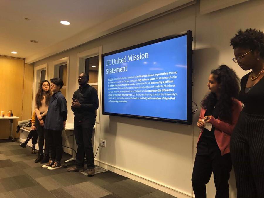 Students discuss UChicago United's platform at last month's #CareNotCops event.