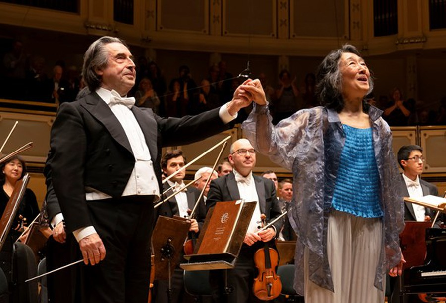 Mitsuko Uchida graced the CSO with her renditions of Mozart, with conductor Riccardo Muti and the orchestra accompanying.