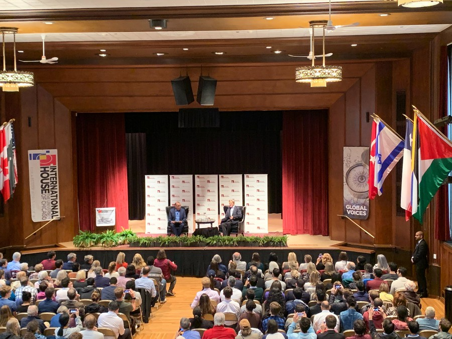 Former Secretary of State John Kerry visited the University of Chicago to discuss climate change.
