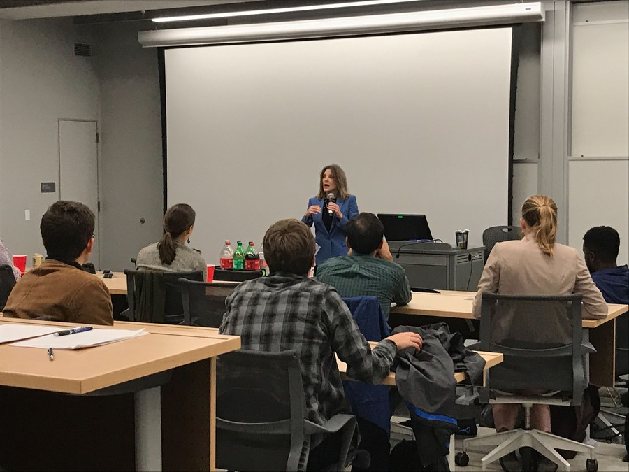 2020 Democratic presidential candidate Marianne Williamson speaks with Harris students.