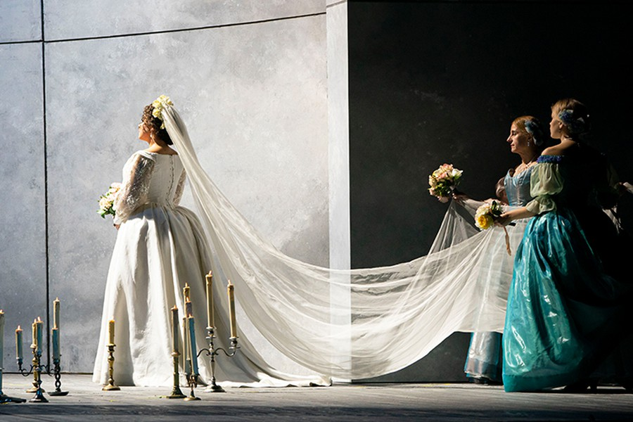 "Alisa Kolosova as Duchess Federica in Lyric Opera's production of ""Luisa Miller."""