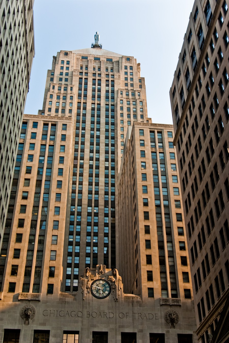 Chicago Open House visitors waited in line to enter the Art Deco vaults at the Chicago Board of Trade building.