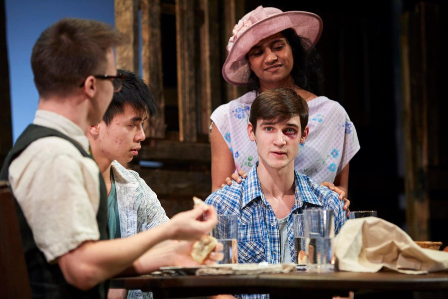 """""""Ever in the Glades"""" tells a story of teenagers who return home to parents who have failed them, conjuring laughs while also bringing the gravity of sympathetic silence."""