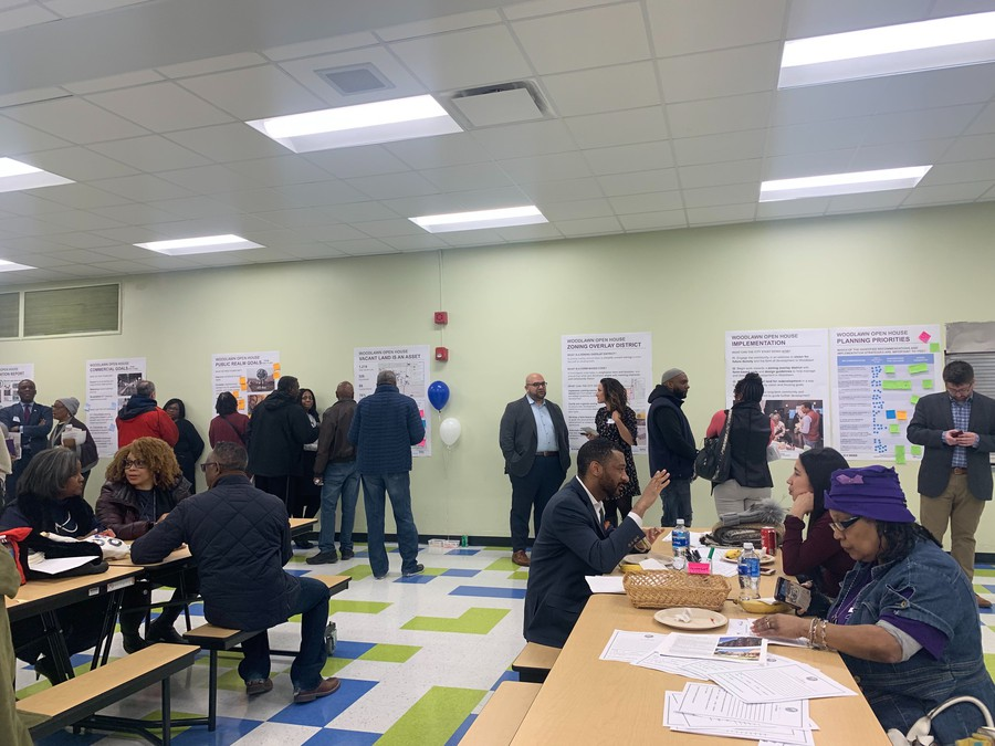 Woodlawn residents gather for a town hall with City officials.