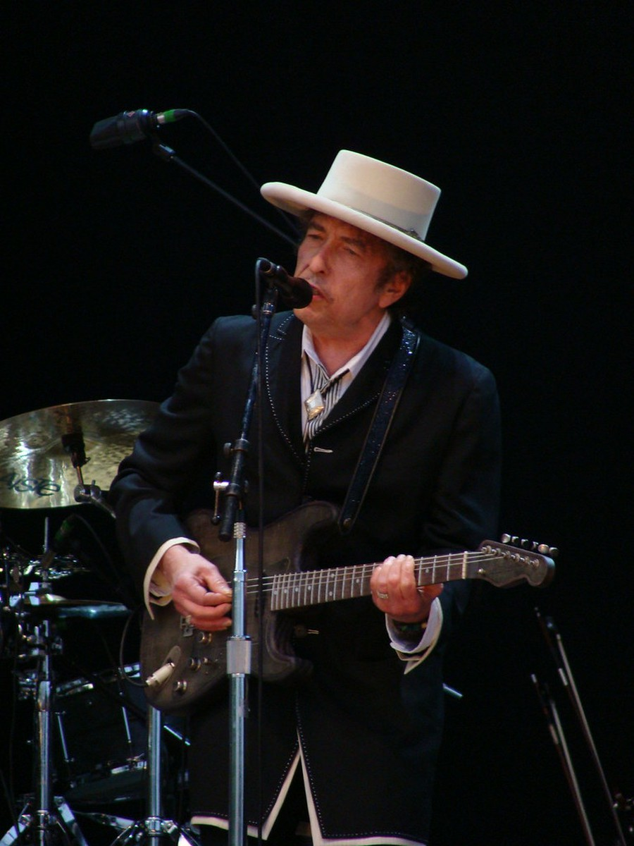 The evergreen Bob Dylan finally lands his first Billboard No. 1 single.
