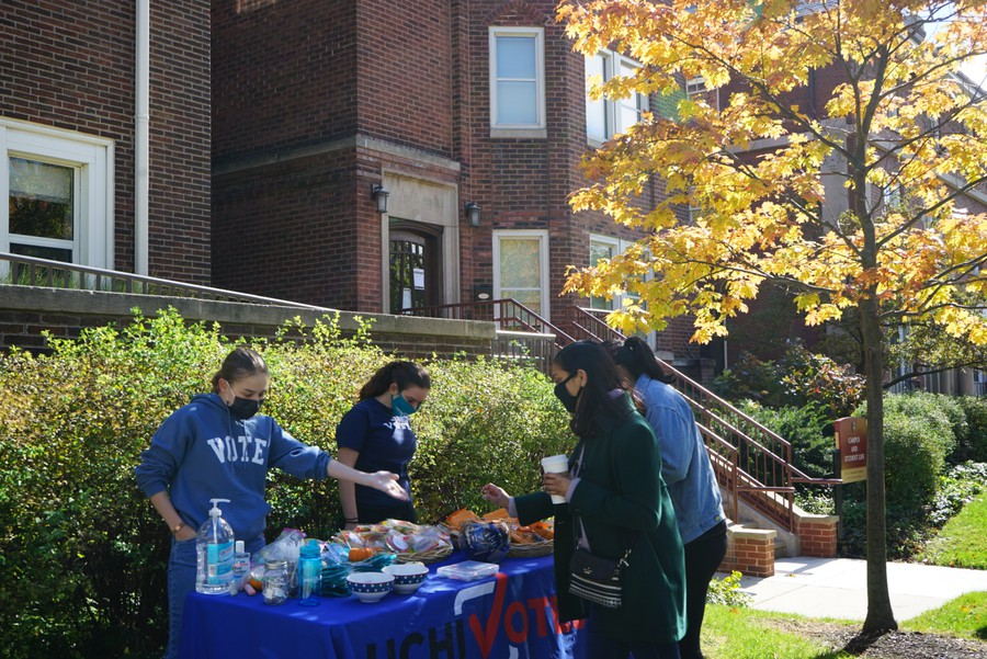 UChiVotes members tabled outside the Institute of Politics (IOP) and answered student questions.