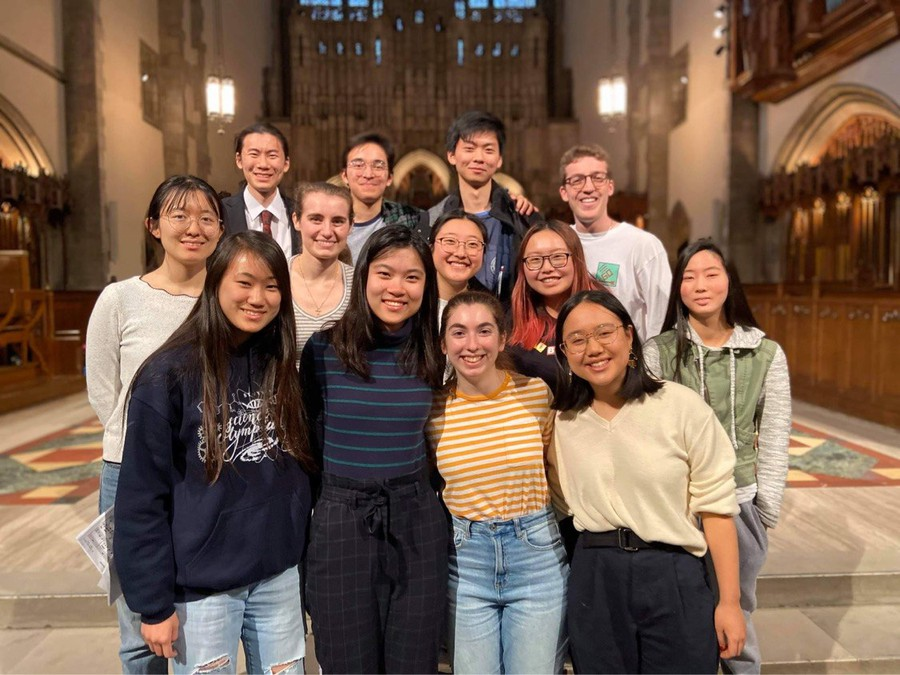 2019-2020 Guild, the last photo the guild took before UChicago's closure.