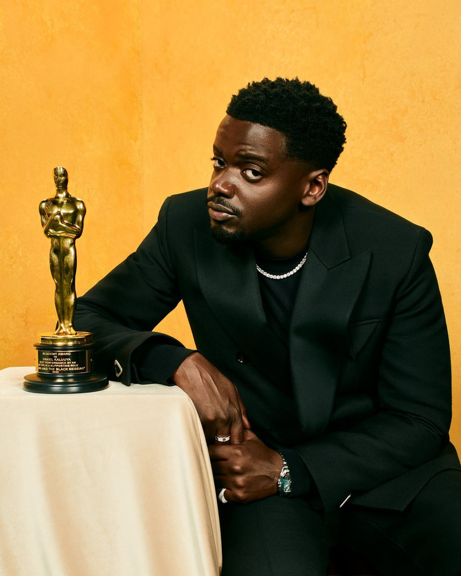 """Daniel Kaluuya, Best Supporting Actor for his role of Fred Hampton in """"Judas and the Black Messiah"""", thanked his parents as he collected his tiny gold statue."""